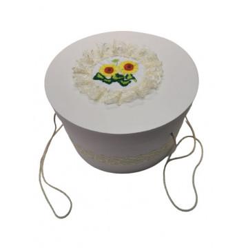 Cutie trusou pentru botez,rotunda,alb , floarea soarelui.