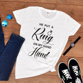 "Tricou personalizat petrecerea burlacitelor ""Ring on my hand"""
