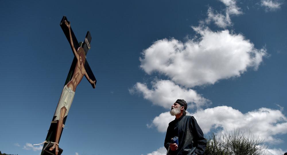 Dumnezeu i-a dat omului un mare dar. Este liber să aleagă: dacă vrea, intră în Rai, dacă nu vrea, nu...