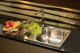 XYLO 1-BOWL S/S SINK WITH DRAINING BOARD, WITH FITTINGS, SATIN