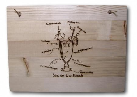Placuta decorativa din lemn gravat