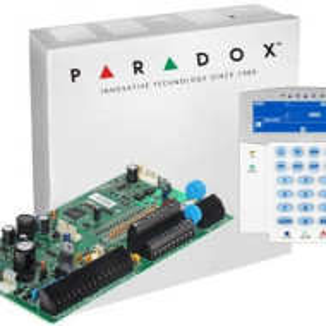 Centrala Paradox Spectra cu 16 zone cutie si tastatura SP7000(CT)+K35
