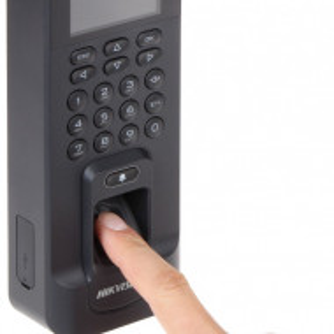 Unitate de control acces HikVision standalone DS-K1T804EF-1
