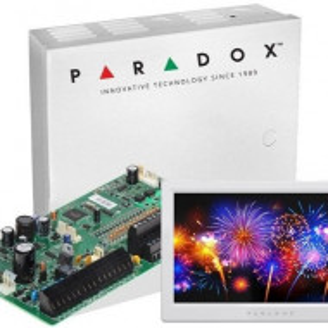 Centrala Paradox Spectra cu 16 zone cutie si tastatura 7inch SP7000(CT)+TM70(L)