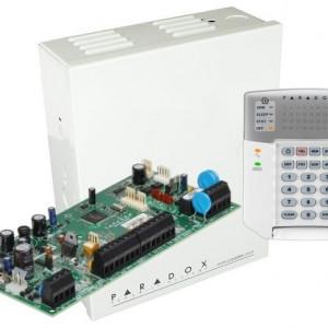 Centrala Paradox Spectra cu 5 zone cutie si tastatura SP5500(CT)+K32+