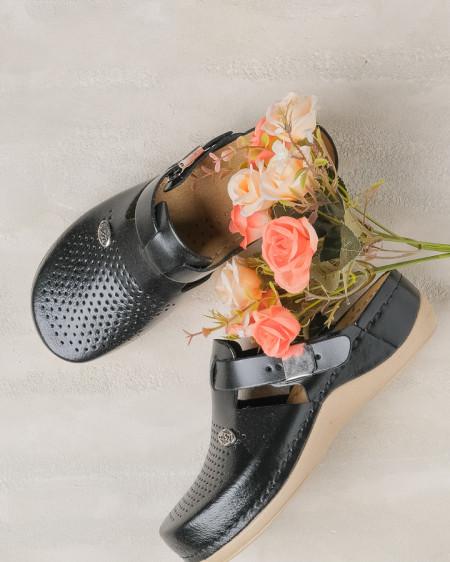 Slika Kožne papuče/klompe 900 crne