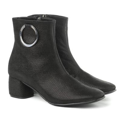 Kožne poluduboke čizme A15-39 crne