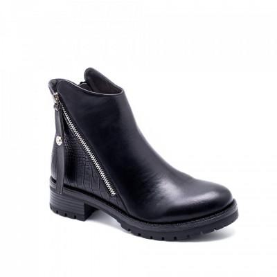 Ženske poluduboke čizme LH050514 crne