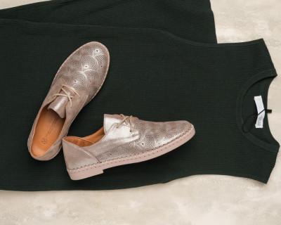 Kožne ženske cipele na pertlanje H5356/Y19 sedefasto bež
