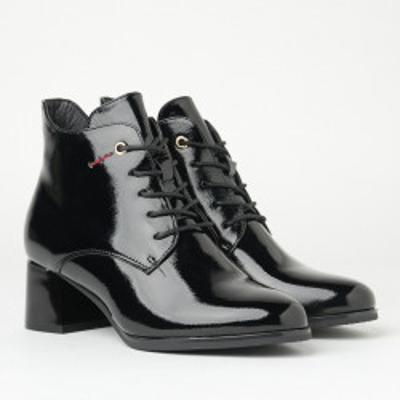 Lakovane poluduboke cipele na malu petu A2101 crne