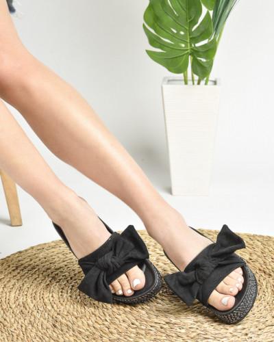 Ženske papuče na debelom đonu LP022019 crne