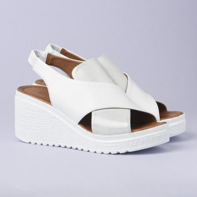 Kožne ženske sandale 9008-86139 bele
