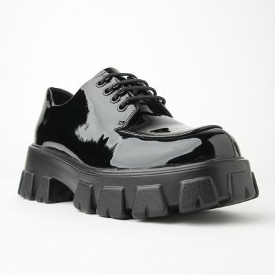 Lakovane cipele na debelom đonu CA567 crne
