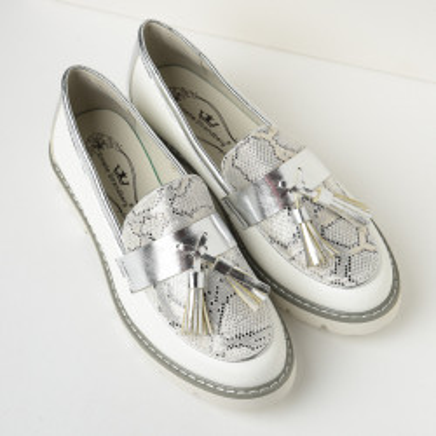 Cipele na malu petu C2120 bele