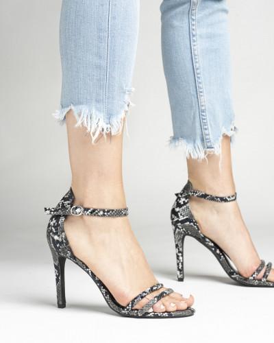 Elegantne sandale na štiklu 1949-21 crne
