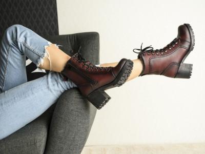 Ženske poluduboke čizme 4097 bordo
