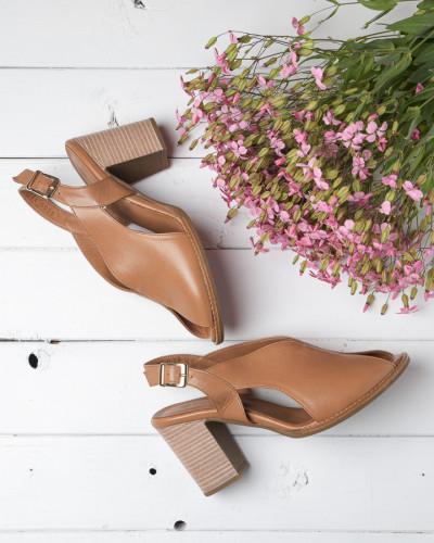 Kožne sandale na štiklu H5309/579 kamel