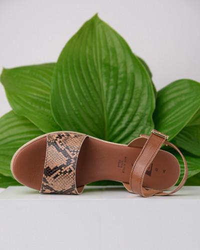 Kožne ženske sandale KT44 braon sa printom