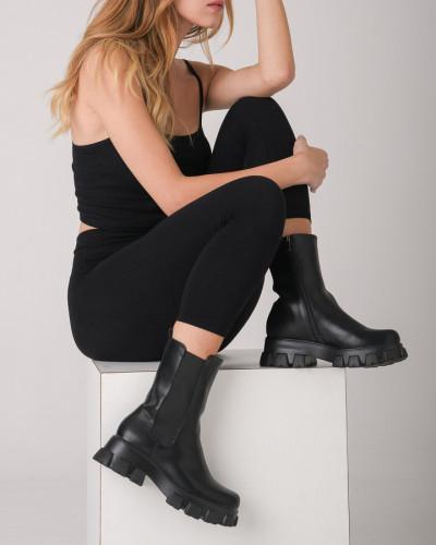 Ženske poluduboke čizme A777 crne