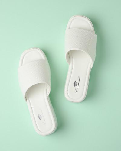 Ženske papuče na debelom đonu WL3080 bele
