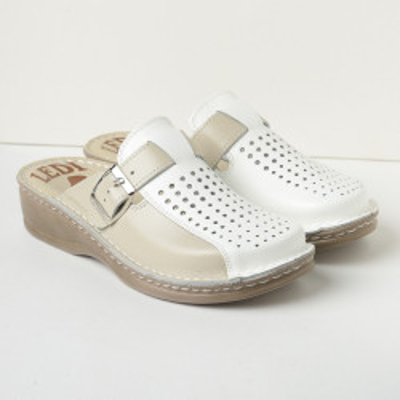 Kožne papuče 671 bež-bela