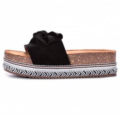 Ženske papuče na debelom đonu LP781903 crne