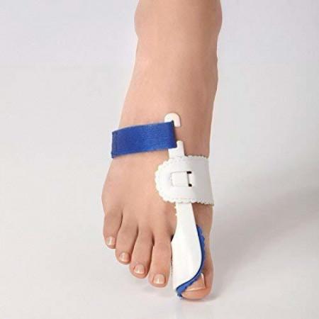 Нощна шина ортеза при изпъкнали кокалчета на палеца на крака
