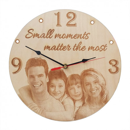 Ceas perete Small moments matter the most
