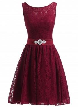Bela cipkasta haljina sa satenskom trakom i cirkonima