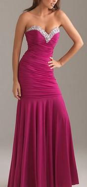 Svecana dugacka haljina sa srce dekolteom