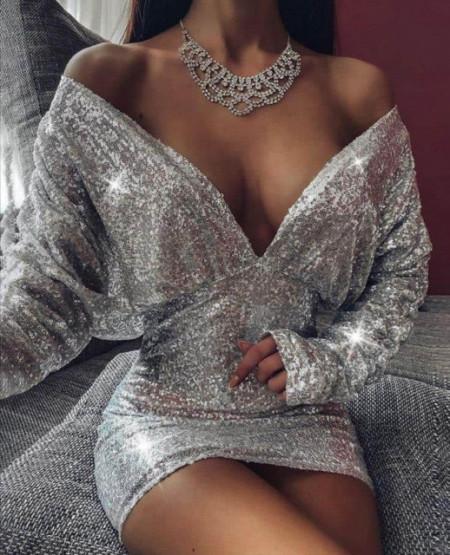 Srebrna haljina svetlucava