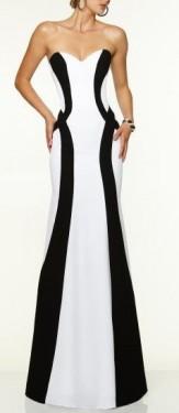 Bela duga haljina sa crnim detaljima