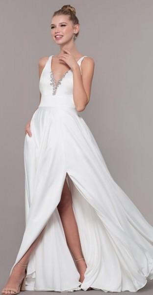 Duga bela haljina sa srebrnim kristalima