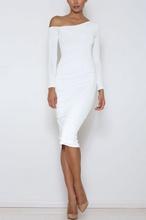 Bela haljina sa otkrivenim ramenom
