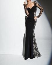 Duga crna haljina sa bocnim detaljima  cipke