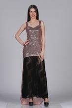 Duga haljina puder roze i crnom cipkom