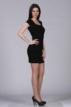 Crna haljina sa kocka izrezom