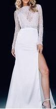 Bela duga haljina sa čipkom i cirkonima