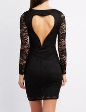 Crna cipkasta haljina sa srce izrezom na ledjima