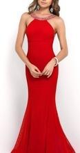 Duga crvena haljina golih ledja sa cirkonima