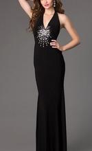Crna duga haljina sa V- izrezom i rasutim cirkonima