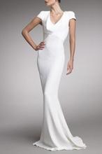 Duga svecana bela haljina