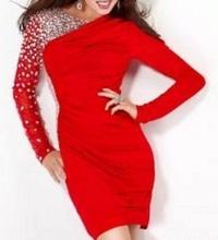 Crvena haljina sa cirkonima i dugim rukavima