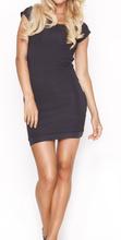 Crna haljina sa golim ledjima i diskicima