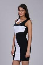 Crna neobicna haljina na jedno rame