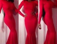 Duga crvena haljina sa dugim rukavima