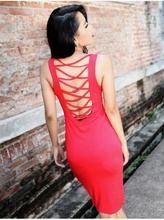 Crvena haljina sa golim ledjima