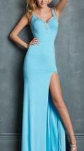 Duga plava haljina sa rasutim cirkonima