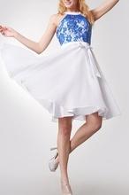 Bela haljina sa kraljevsko plavom čipkom