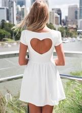 Bela haljina sa srce izrezom